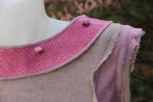 Lachslederkragen - Knöpfe mit Lachtsleder bezogen - an Kleid Doubleface Leinen