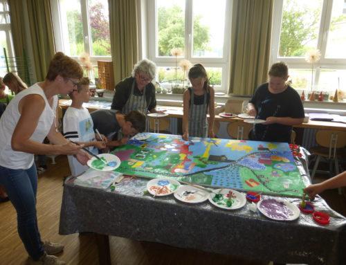 "Kunst und Schule – Projekt: ""Künstler an Grundschulen"" an  der Grundschule Adlkofen"